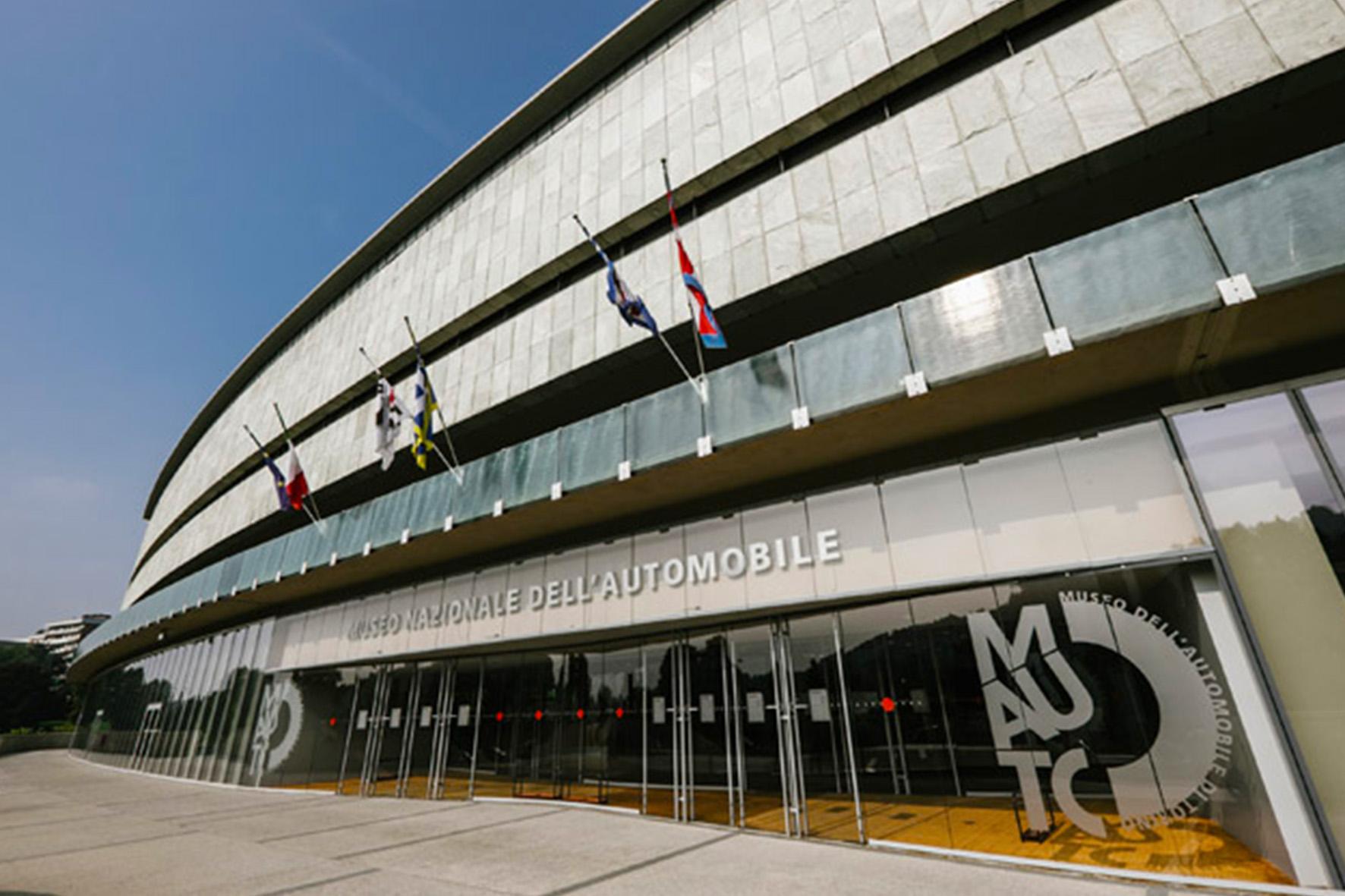 Veduta esterna dell'ingresso del Museo dell'Automobile di Torino, foto © aut./MAUTO