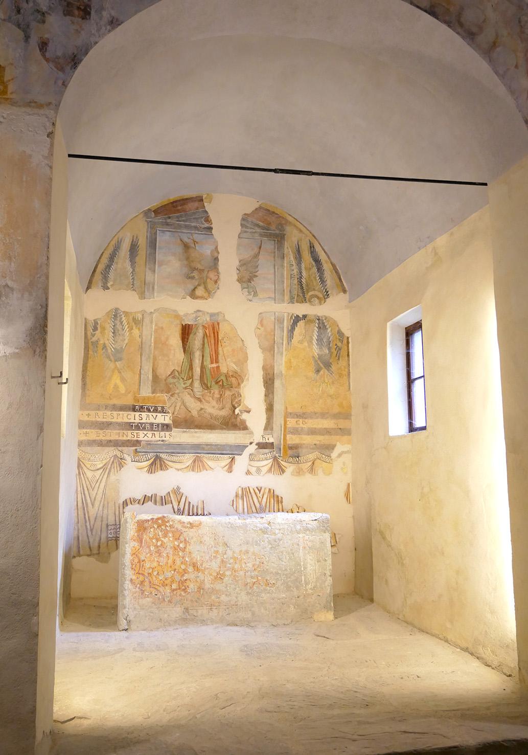 Interno della Cappella di San Michele dell'Abbazia Benedettina della Novalesa (To), dopo il restauro, foto © aut. / Abbazia della Novalesa