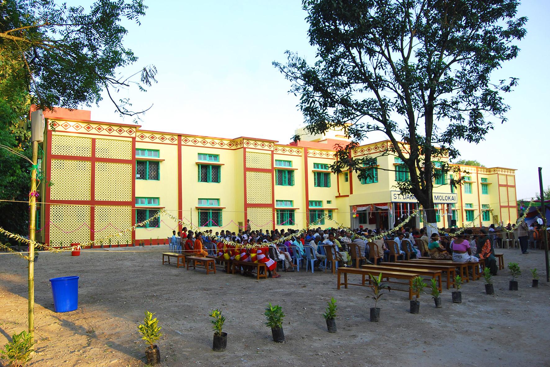 L'Ospedale-lebbrosario 'St. Damien of Molokai' di Matigara (West Bengala), costruito grazie alle donazioni raccolte dal Comitato SOS-India, foto � aut./SOSIndia