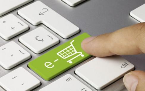 Ormai per risparmiare sia tempo che denaro sempre piГ acquirenti si danno allo shopping on line. Rispetto al 2010, nell'anno precedente le aziende italiane